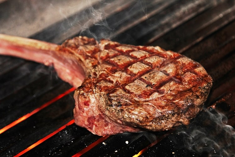 How to cook a tomahawk steak